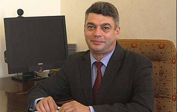 DAN CLAUDIU DĂNIȘOR